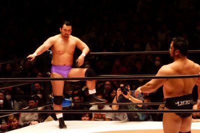 大日本プロレスでタイトルマッチに挑む鈴木選手。