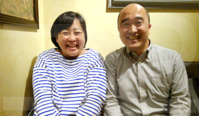 山本加世さん(左)、山上亮さん(右)